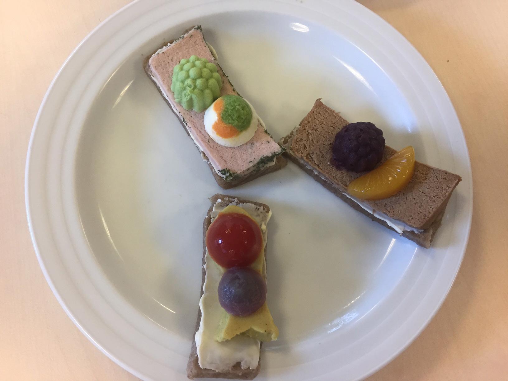 Frontpersonalet lærer om kost : Gratinkost smager af karrysild og kotelet | VPT